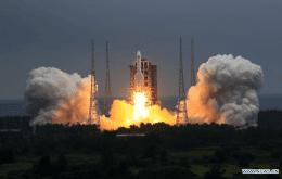 China minimizes risk of uncontrolled rocket causing damage