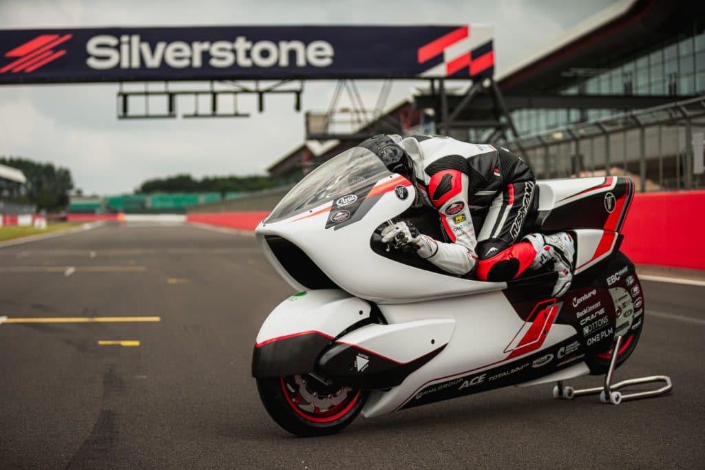 White Motorcycle Concepts (WMC) quer que a nova moto elétrica da empresa seja a mais rápida do mundo. Imagem: Divulgação