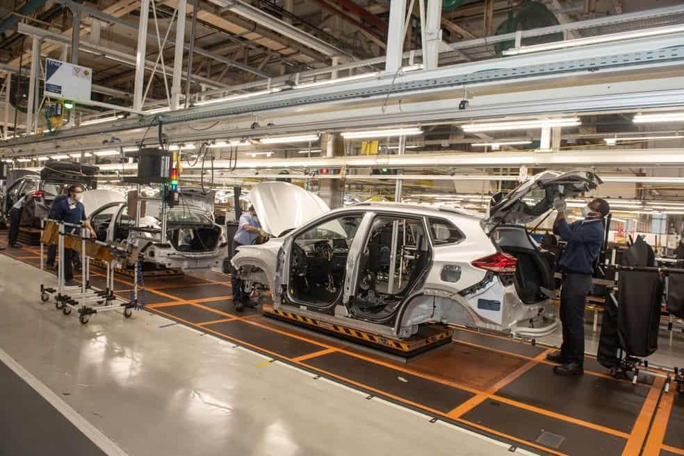 Fábrica da Chevrolet em São Caetano do Sul (SP); semicondutores afetam produção de carros. Imagem: Divulgação/GM