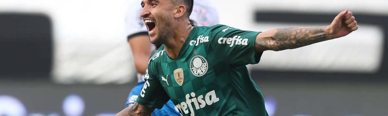 O jogador Victor Luis, da SE Palmeiras, comemora seu gol contra a equipe do SC Corinthians P, durante partida válida pela semi final, do Campeonato Paulista, Série A1, na Neo Química Arena. (Foto: Cesar Greco)