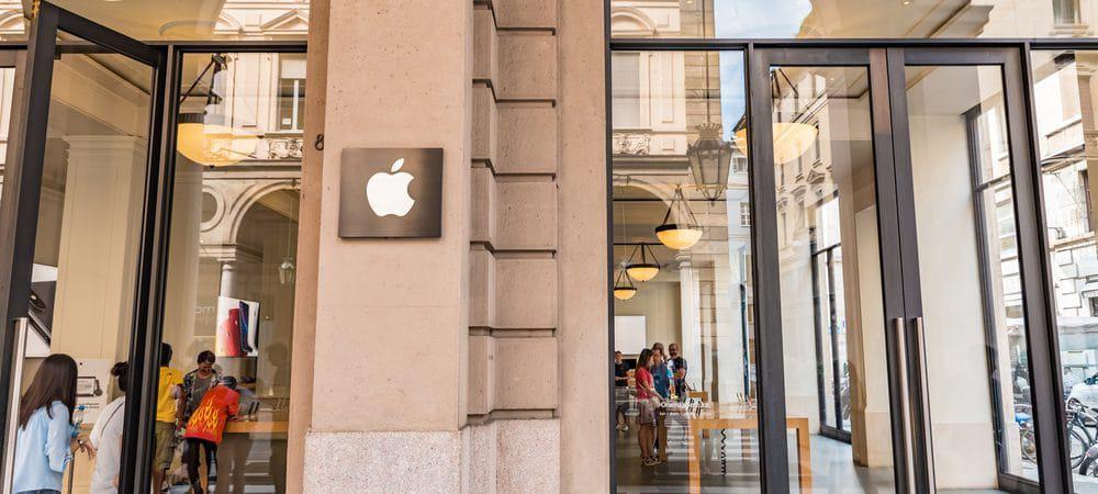 Logo da Apple na fachada de um prédio