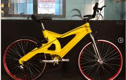 Bike ecológica: Inventor mostra como é a bicicleta feita com plástico reciclado