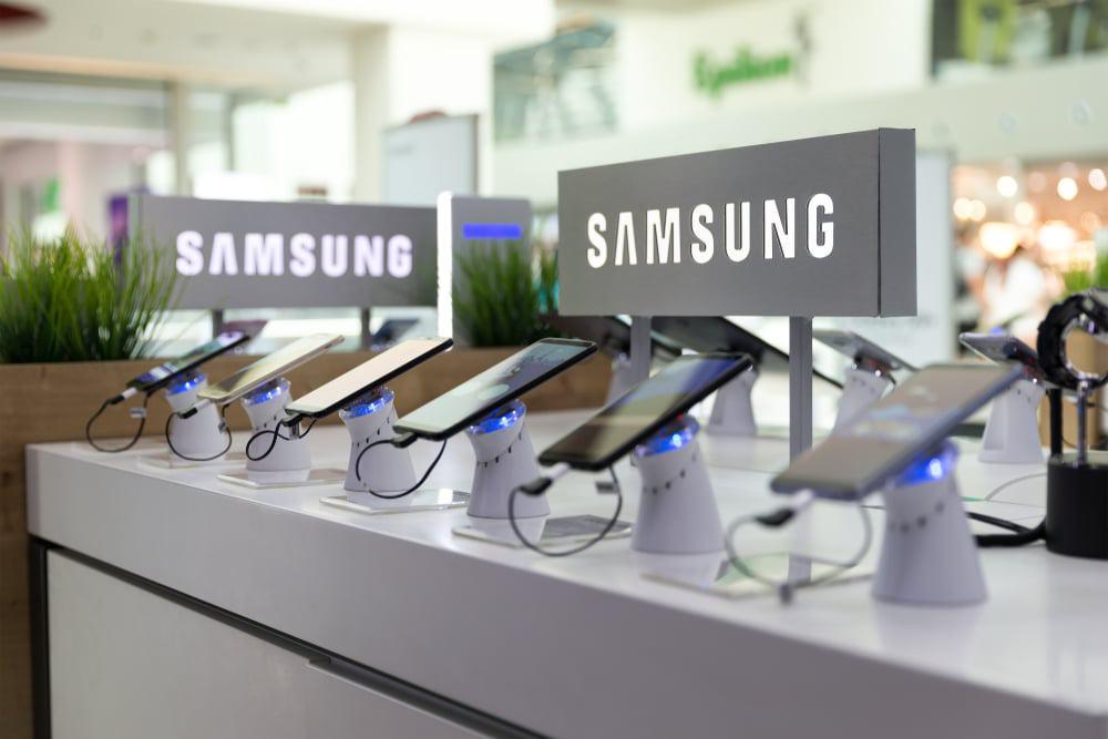 Celulares Samsung em exibição