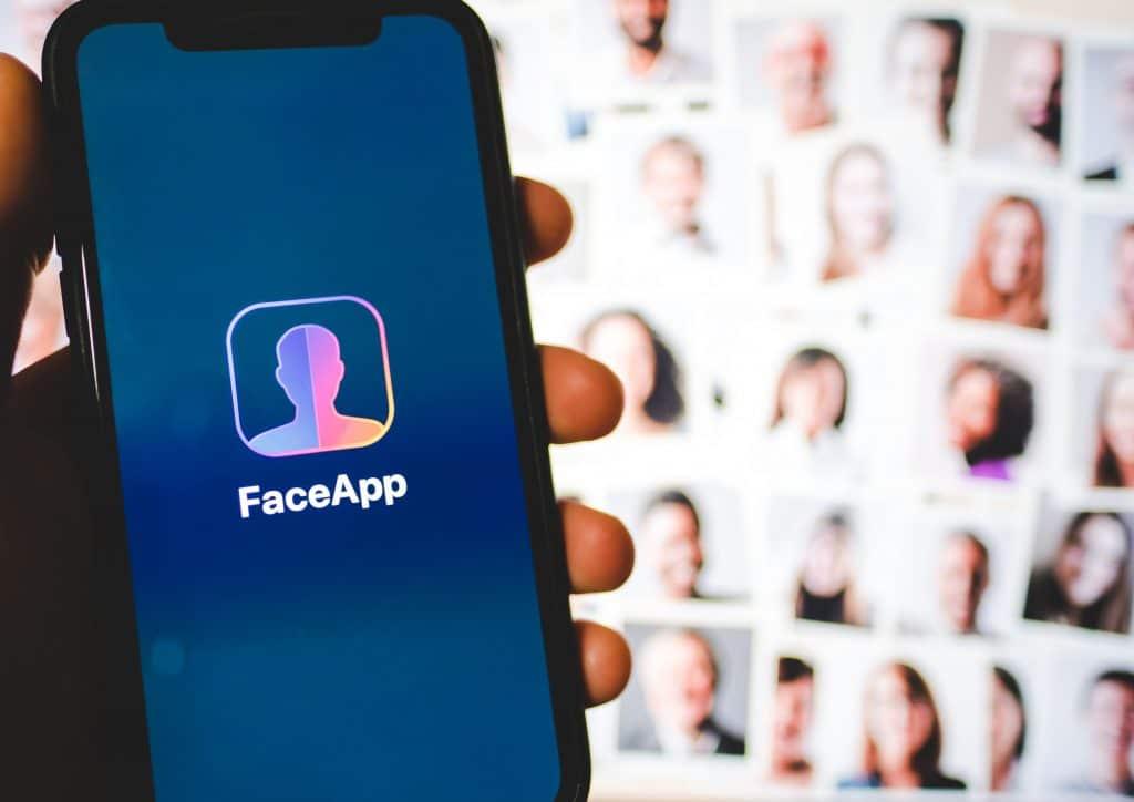 Logo do aplicativo FaceApp
