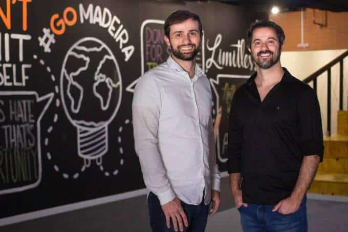 Fundadores da MadeiraMadeira, os irmãos Marcelo e Daniel Scandian (esquerda para direita)
