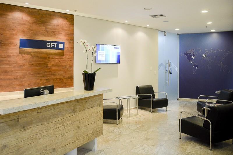 Recepção da empresa GFT, especializada em soluções de TI para indústria e mercado financeiro; escritório de Alphaville, em São Paulo