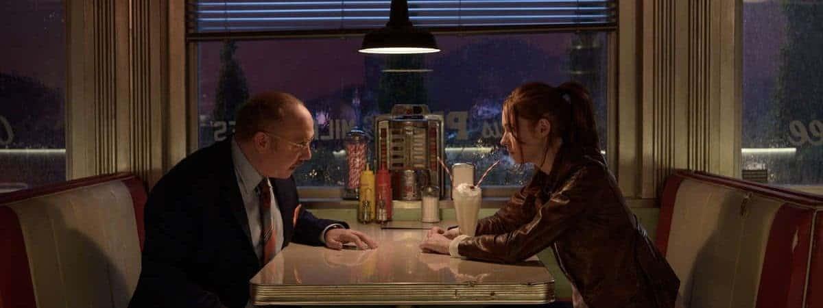 Paul Giamatti (Nathan) e Karen Gillan (Sam) em cena de Gunpowder Milkshake.