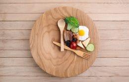 Jejum intermitente não é tão eficiente para perda de peso, aponta pesquisa