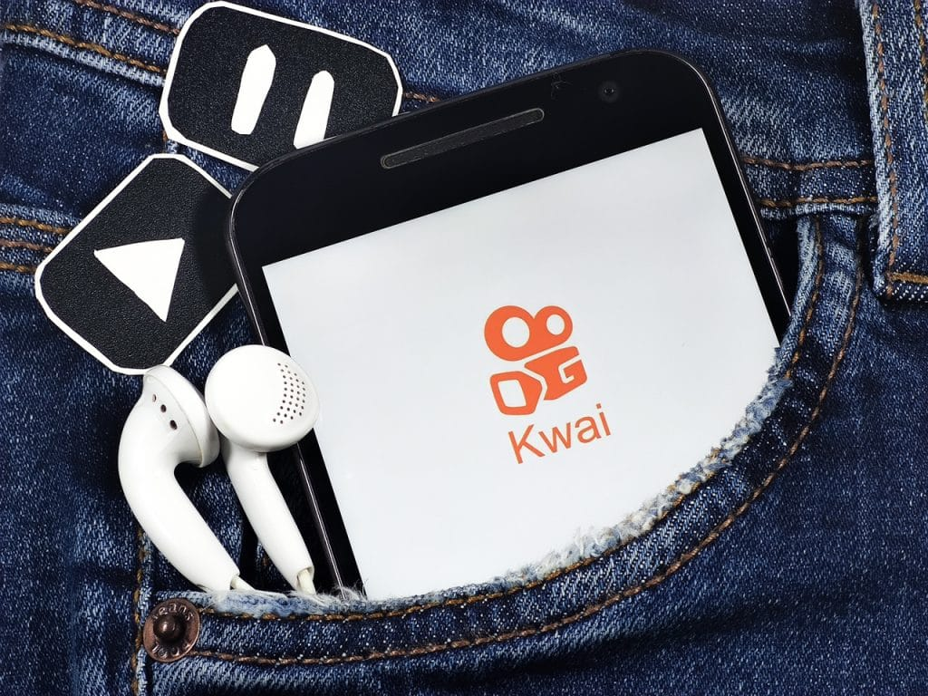 Kwai logo open on smartphone