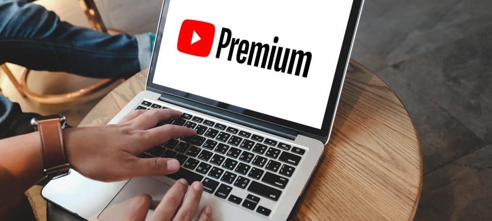 Logo do YouTube Premium em notebook