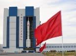 Foguete está pronto para enviar 1ª tripulação à estação espacial da China