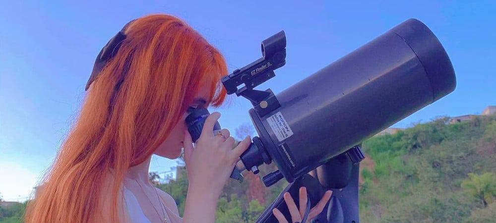 Lorrane Olivlet, brasileira que descobriu quatro asteroides em uma noite