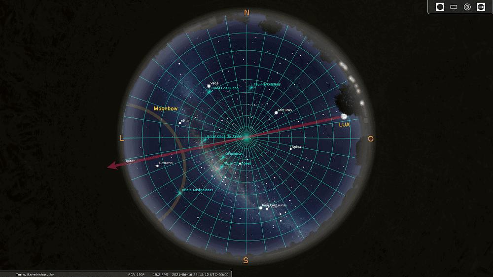 Mapa celeste da noite de 16 de junho. Em destaque, a posição da Lua que formou o moonbow exatamente na direção oposta