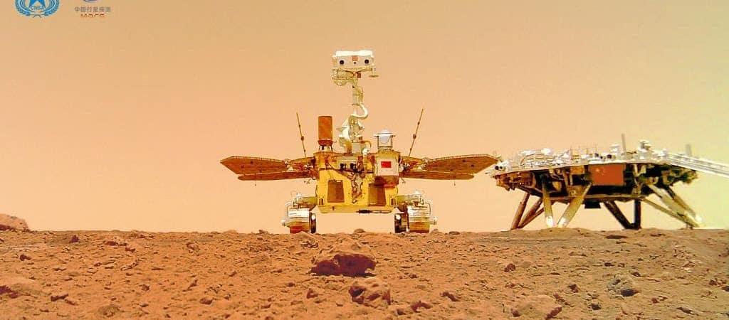 Foto da superfície de Marte tirada pelo rover Zhurong Mars