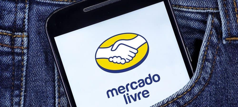 Celular mostrando a logo do Mercado Livre