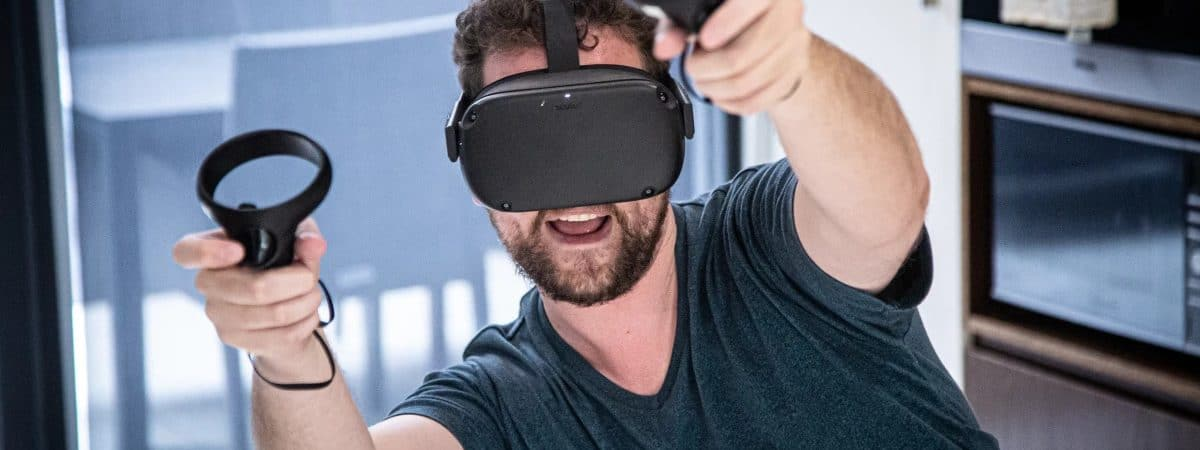 A nova atualização do Oculus Quest adiciona multitarefa e streaming sem fio para o fone de ouvido original. Imagem: QuestLoz Blain/New Atlas
