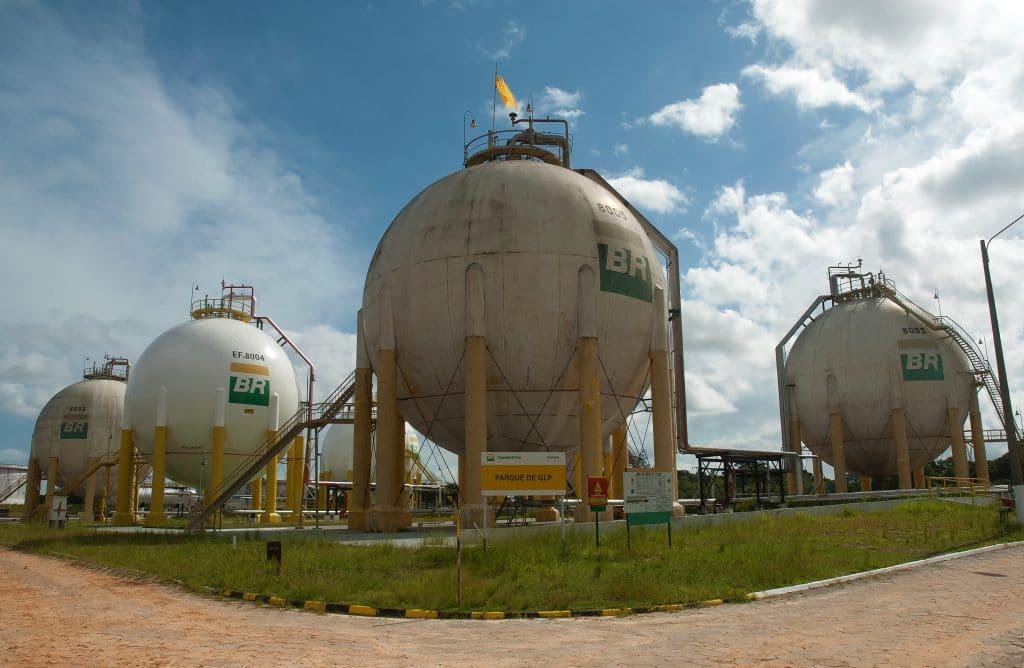 Petrobras lança edital do 'Programa Petrobras Conexões'; inscrições começam amanhã (16). imagem: Shutterstock