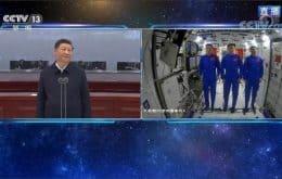Presidente da China liga para astronautas no módulo Tinhe na estação espacial chinesa