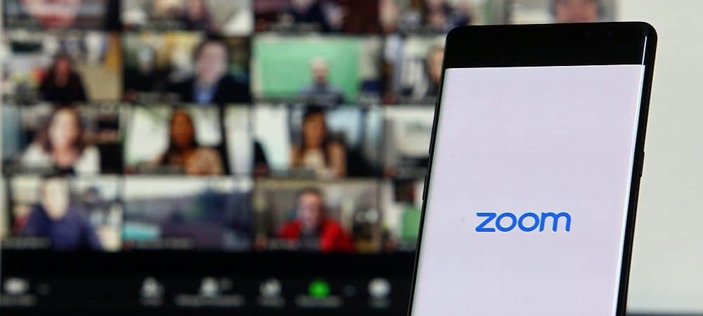 Imagem mostra uma tela de dispositivo, com o logotipo do serviço de videoconferência Zoom