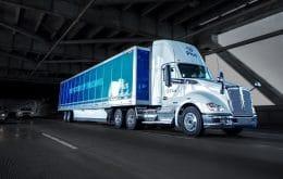 """Amazon compra mil caminhões """"dirigidos por robôs"""" para agilizar entregas"""