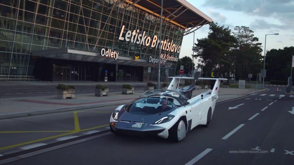 carro voador eslováquia3