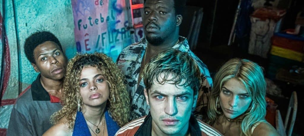 Elenco principal de 'Dom' inclui Gabriel Leone, Raquel Villar, Isabella Santoni, Ramon Francisco e Digão Ribeiro. Imagem: Amazon Studios/Divulgação