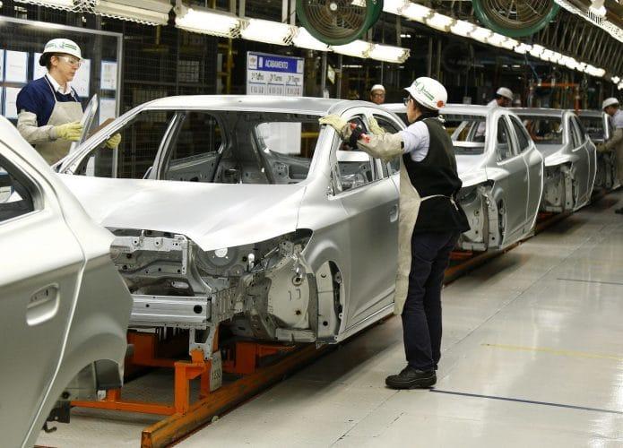 Fábrica da Chevrolet em Gravataí (RS); semicondutores afetam produção de carros. Imagem: Divulgação/GM