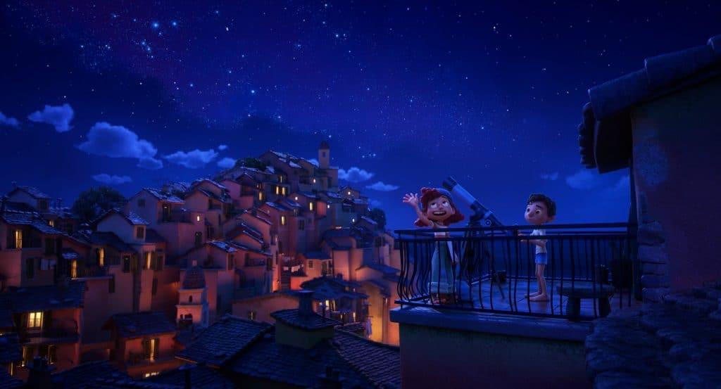 Giulia abre a mente de Luca para um universo de possibilidades. Imagem: Disney/Piixar/Divulgação