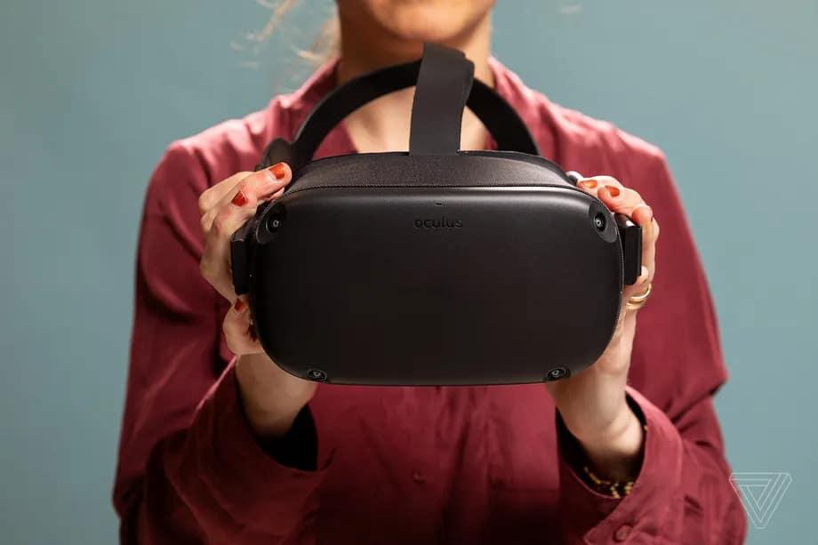 Atualização v30 do Oculus Quest adiciona recursos pedido por fãs. Imagem: Amelia Holowaty Krales / The Verge