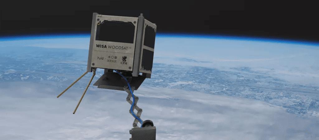 O primeiro satélite de madeira do mundo