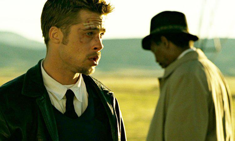 Brad Pitt e Morgan Freeman em 'Se7en: os Sete Crimes Capitais'. Imagem: New Line Cinema/Reprodução
