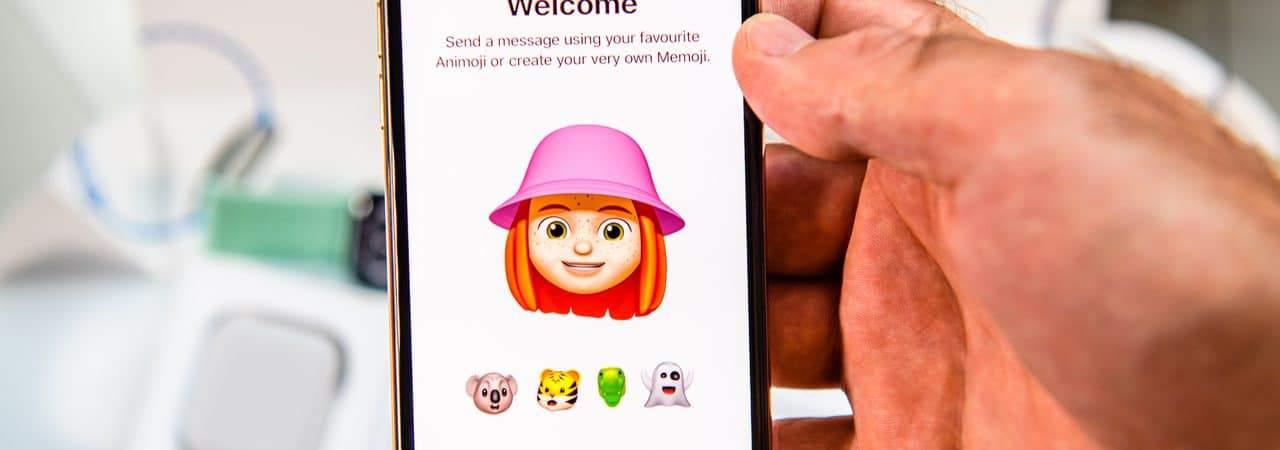 Ilustração de memoji exibido em Iphone