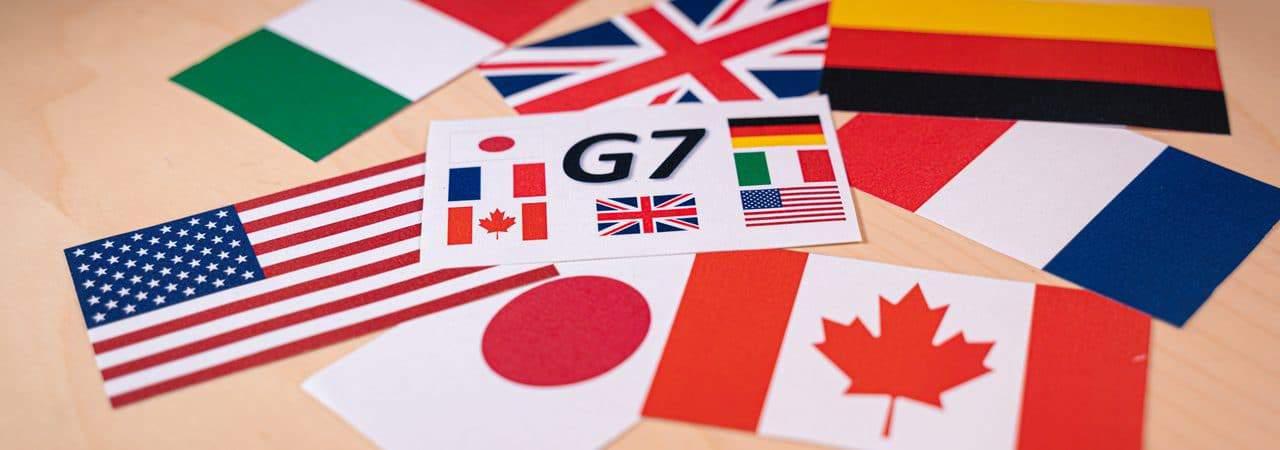 Ilustração de bandeiras dos países que compõem o G7