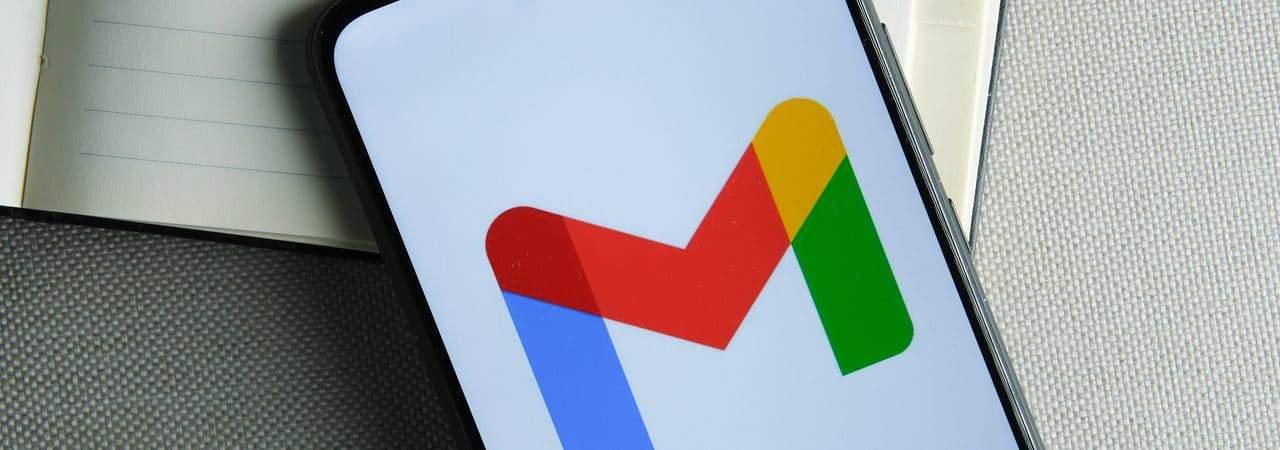 Logo do Gmail exibido em smartphone