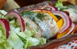 Estudo aponta que consumo de peixes e vegetais pode ajudar a reduzir gravidade da Covid-19