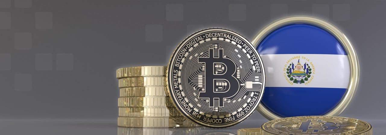 Ilustração de bitcoin ao lado da bandeira de El Salvador
