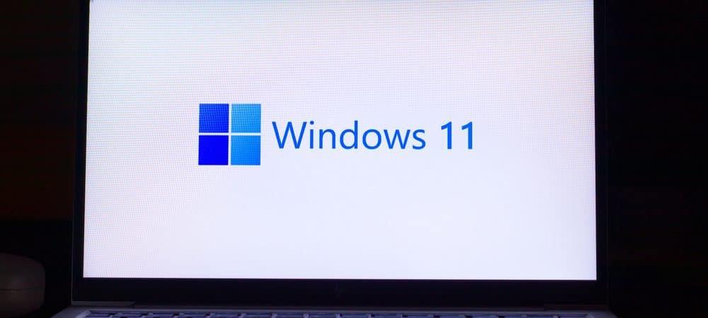 Logotipo de Windows 11 en la pantalla de un portátil