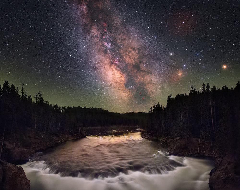 Foto tirada no Yellowstone National Park, nos Estados Unidos, em junho de 2016