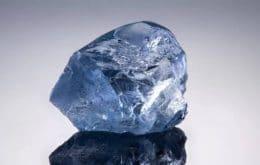 Raridade cara: diamante azul foi vendido por US$ 40 milhões