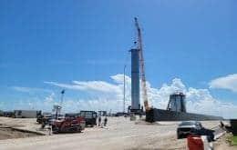 Super Heavy B3: maior foguete da SpaceX é colocado na base de lançamentos nos EUA