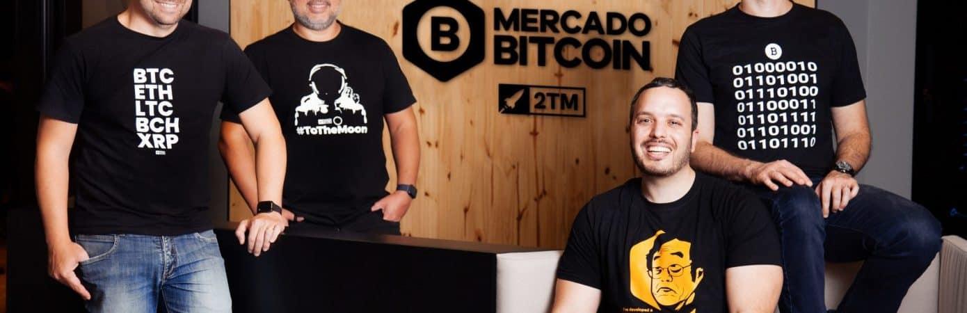 Foto da equipe do Mercado Bitcoin