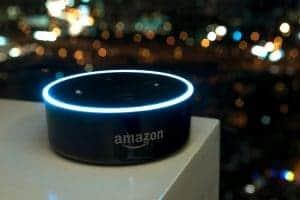 Amazon Echo Dot 2, alto-falante inteligente que tem a assistente virtual Alexa integrada