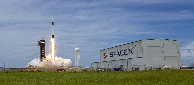 Imagem mostra a partida da nave Dragon, da SpaceX, quando ela foi em direção à ISS