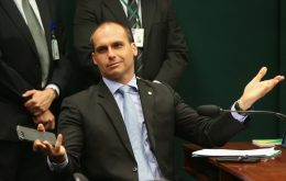 Facebook returns profile of Eduardo Bolsonaro and says there was a mistake
