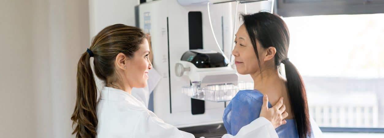 Saiba por que a mamografia só deve ser feita de duas a quatro semanas após a vacinação