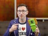 Rifa atômica: engenheiro cria videogame com bateria nuclear para ajudar crianças de Chernobyl