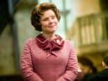 'The Crown': Confira primeira imagem de Imelda Staunton como Rainha Elizabeth II
