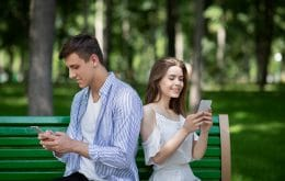 Nude é traição? Pesquisa aponta o que é considerado infidelidade virtual