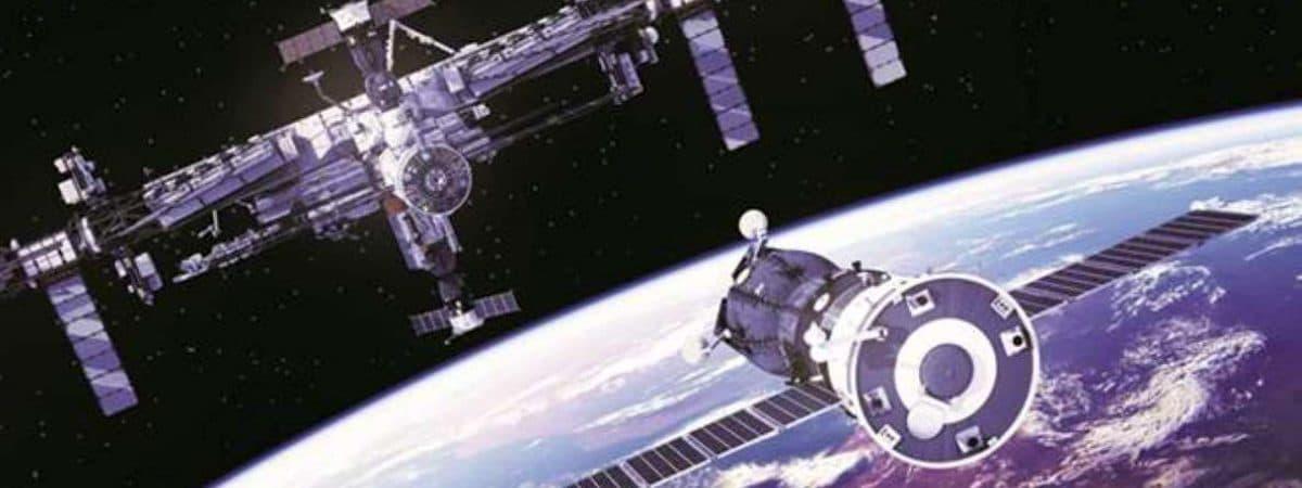 Ilustração mostra o módulo Nauka chegando à estação espacial internacional