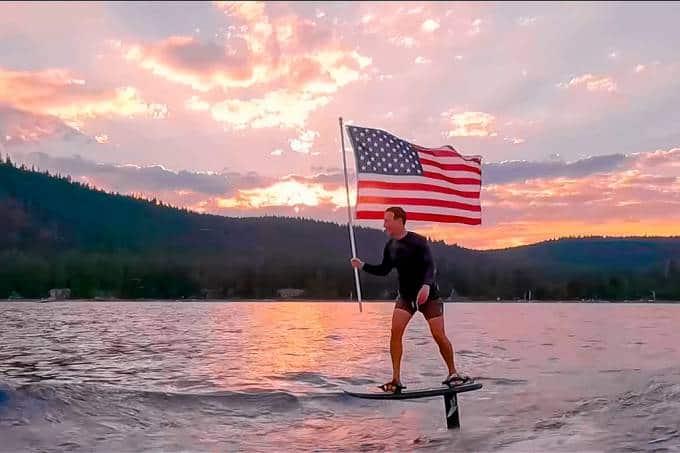 Mark Zuckerberg posta vídeo inusitado para comemorar 4 de julho nos EUA